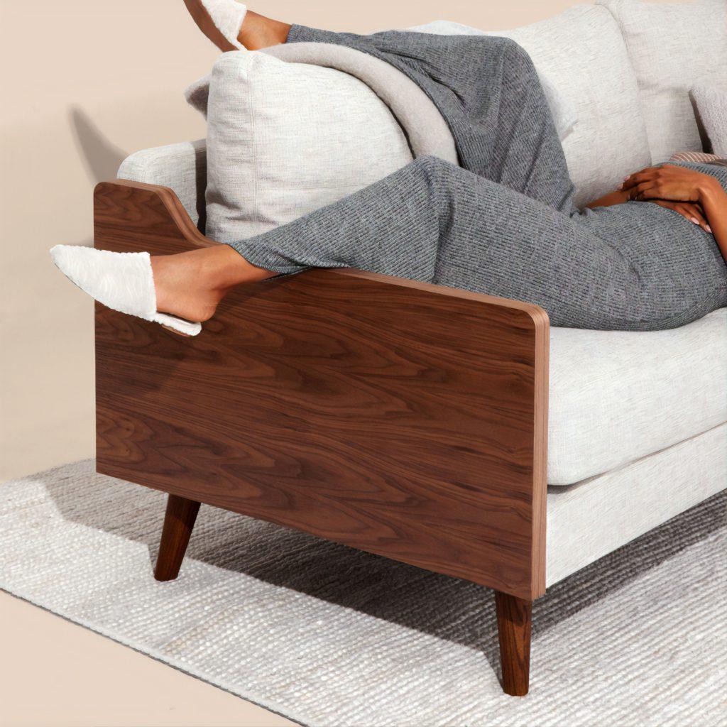 Representación visual del descanso a la hora de la siesta gracias a la domótica de una casa inteligente